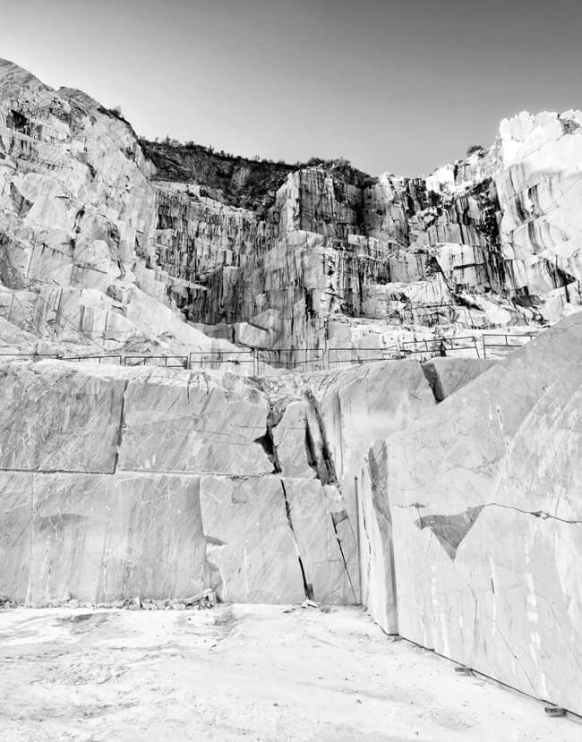 pietrasanta-cave